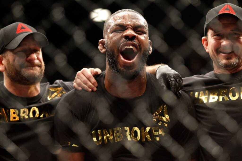 Curtis Blaydes advierte a Jon Jones